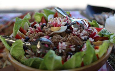 Une salade niçoise pour un évènement à Cannes-min